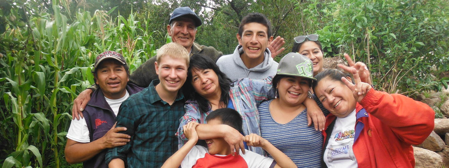 Students gathered together for a photo in Peru